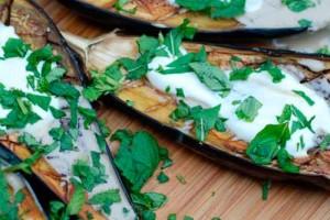 Баклажаны с чесноком и зеленью