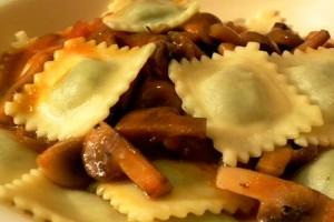 Равиоли с сыром рикотта и грибами