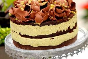 Шоколадный торт с фисташковым суфле