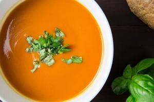 Томатный суп с имбирем
