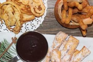 Хворост, чуррос, буньюэлос де вьенто. Зимние десерты во фритюре